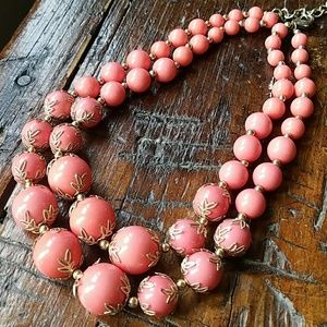 Jewelry - 🌴Coral and Gold Necklace🌴